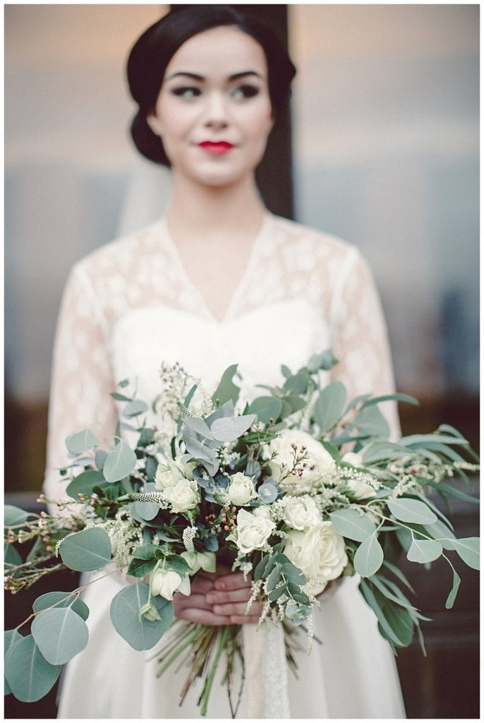 White winter wedding flowers | Bijouxfloral.co.uk
